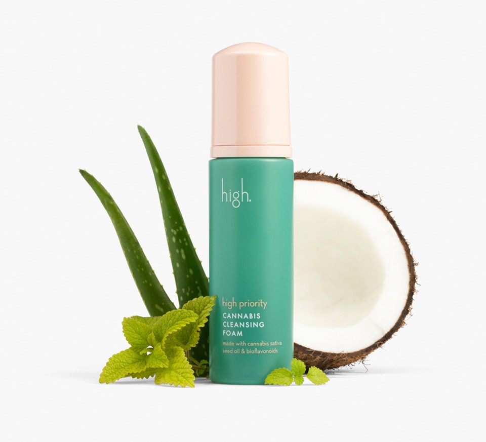 High Beauty Cleansing Foam with Aloe and Coconut